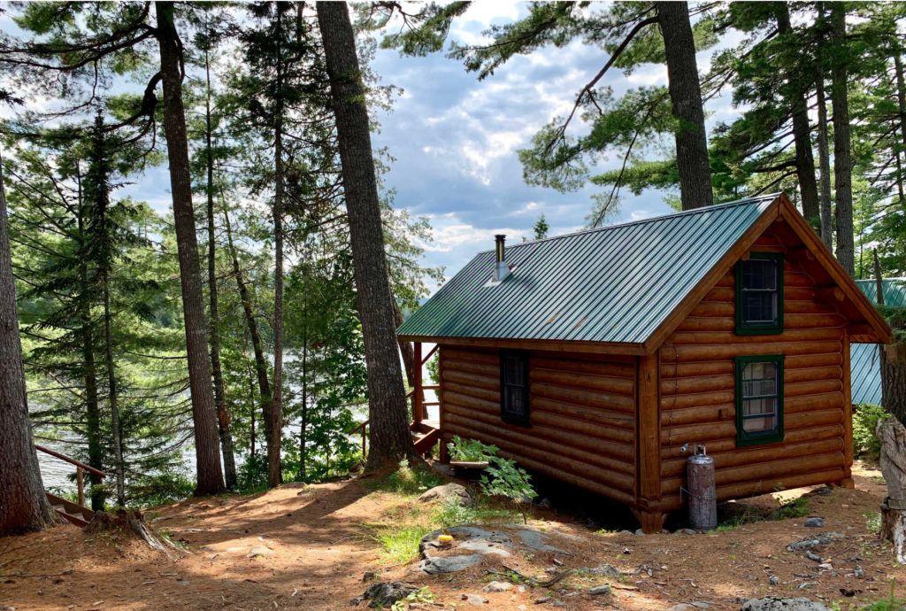 Gorman Chairback cabin by the lake