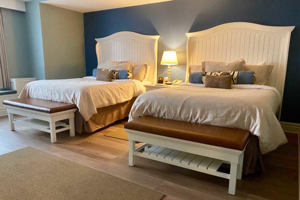 Watkins Glen Harbor Hotel bedroom