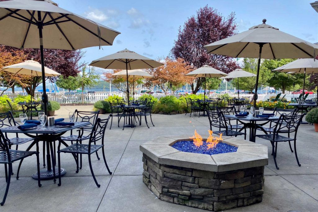 Blue Pointe Grille patio and fire pit